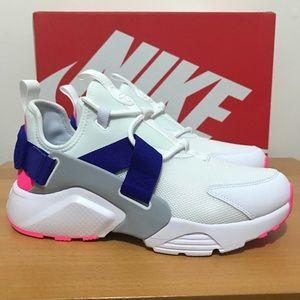 Nike Air Huarache City Low Women's Sneakers